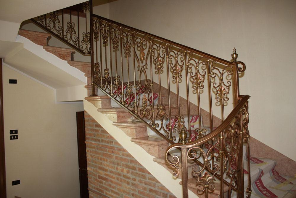 Ringhiera in ferro tutto su ispirazione design casa - Scale in ferro battuto per interni ...